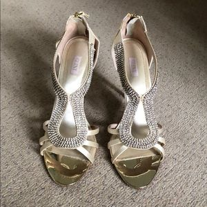 Perfect prom shoes! Size 9